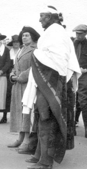 Louisa Wetherill and Hoskiniini Begay at Santa Barbara 1923